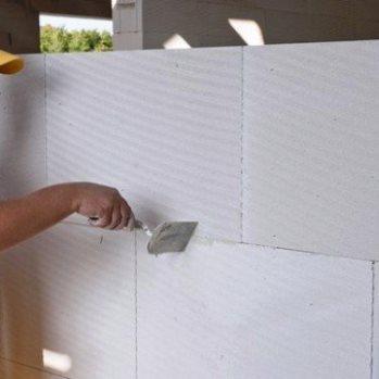 С помощью ПГП можно создать идеально ровную стену